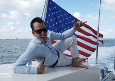 101′ Yacht Tour with Broker